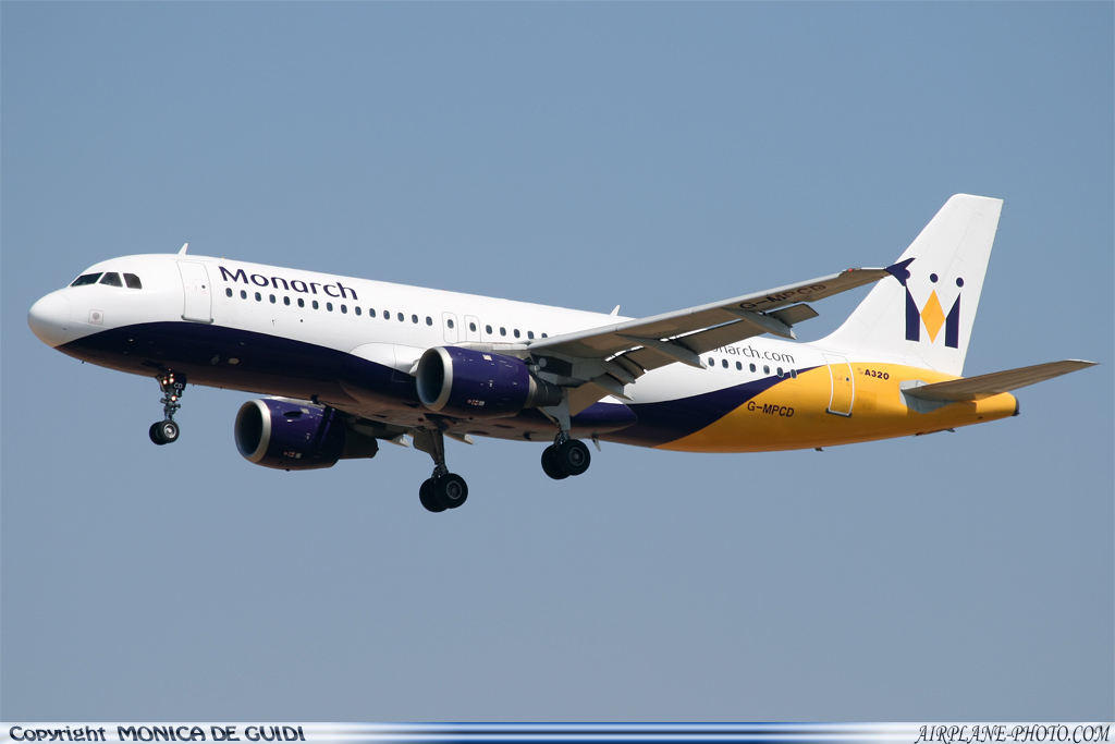 Photo Monarch Airlines Airbus A320-212