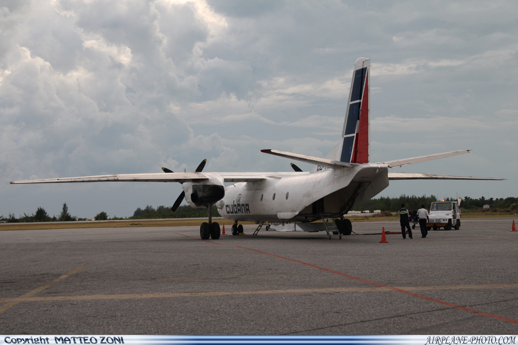 Photo Cubana Antonov An-24RV