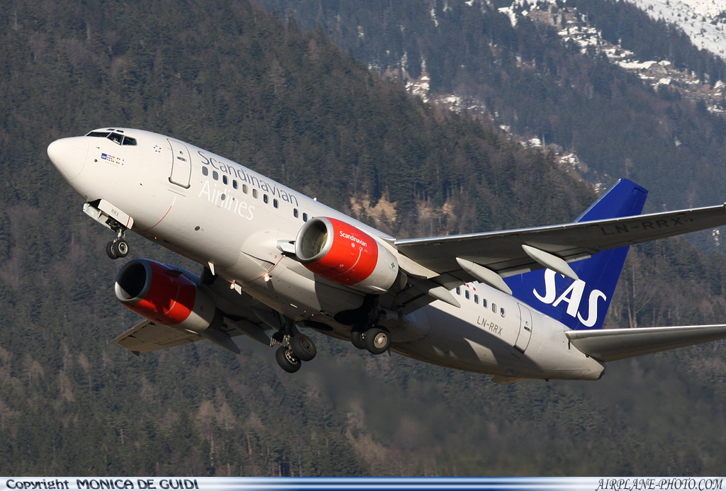 Photo Scandinavian Airlines - SAS Boeing 737-683