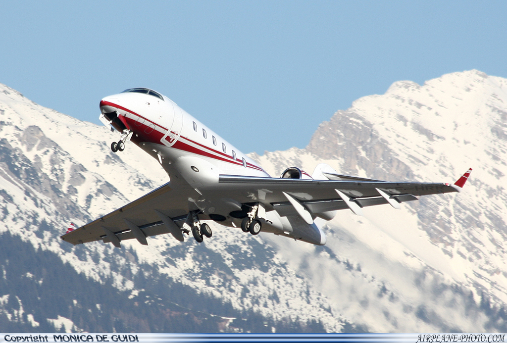 Photo Untitled Bombardier BD-100-1A10 Challenger 300