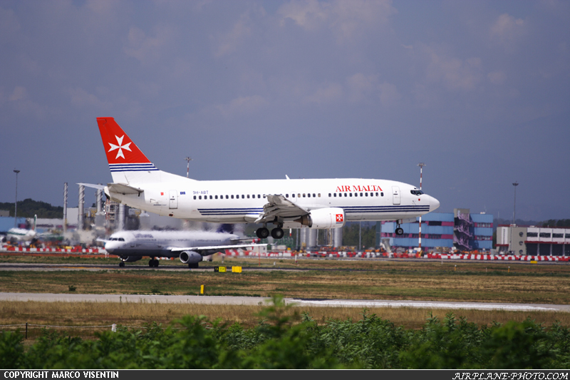 Photo Air Malta Boeing 737-3Y5
