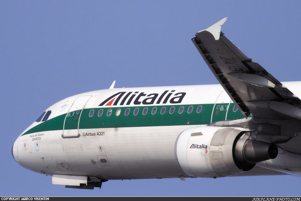Photo Alitalia Airbus A321-112