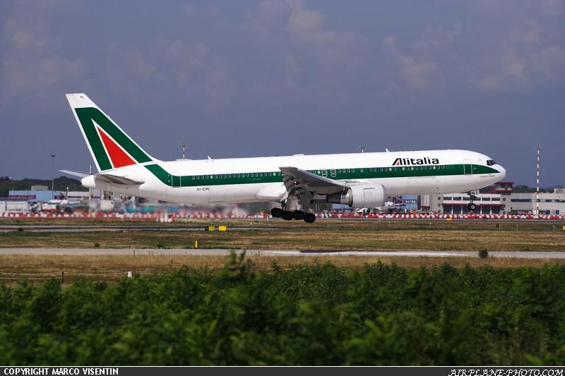http://www.airplane-photo.com/image/airplane/MXP-Alitalia-Boeing-767-343ER-0001.jpg