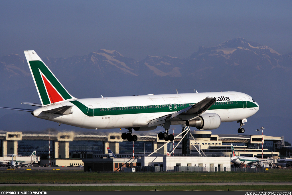 Photo Alitalia Boeing 767-3Q8/ER