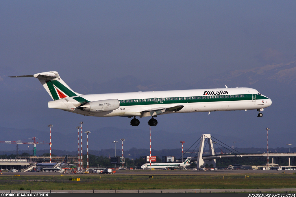 Photo Alitalia McDonnell Douglas MD-82 (DC-9-82)