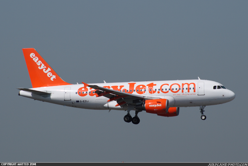Photo EasyJet Airline Airbus A319-111