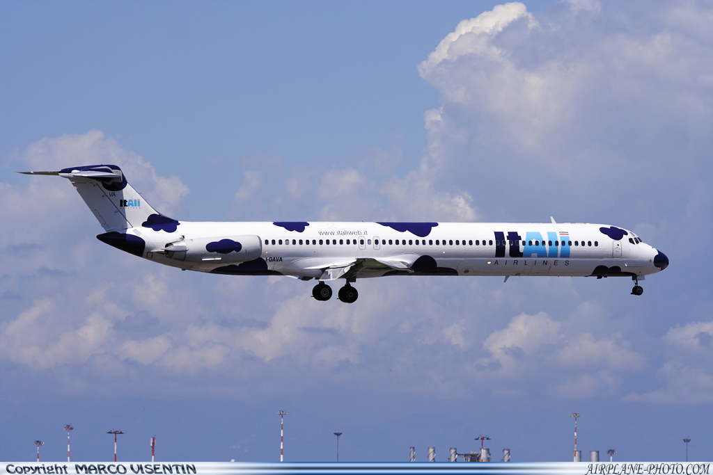 Photo Itali Airlines McDonnell Douglas MD-82 (DC-9-82)