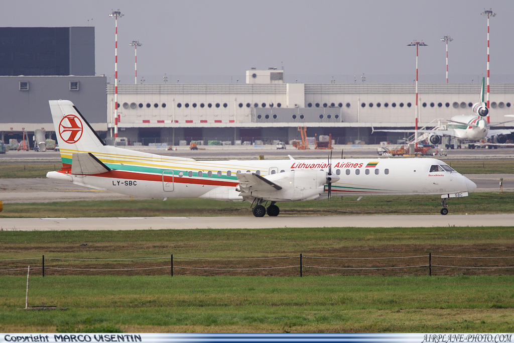 Photo Lithuanian Airlines Saab 2000