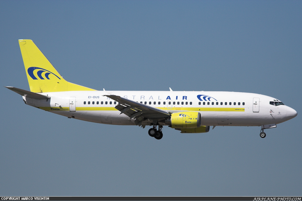 Photo Mistral Air Boeing 737-3M8(QC)