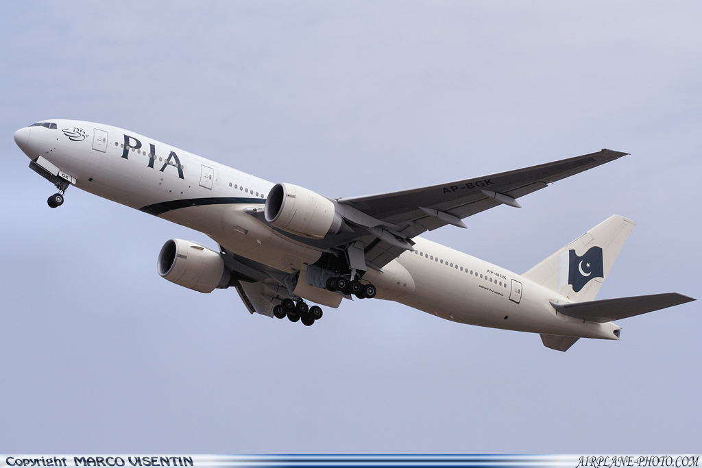 Photo Pakistan International Airlines - PIA Boeing 777-240/ER