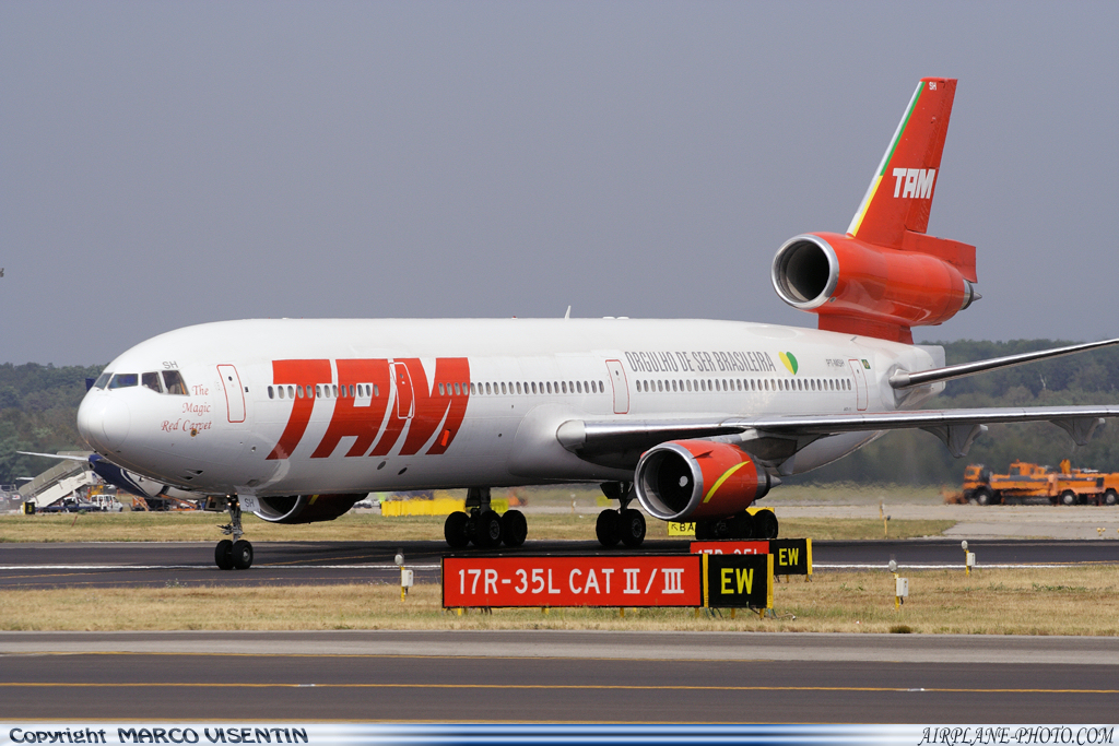 Photo TAM McDonnell Douglas MD-11