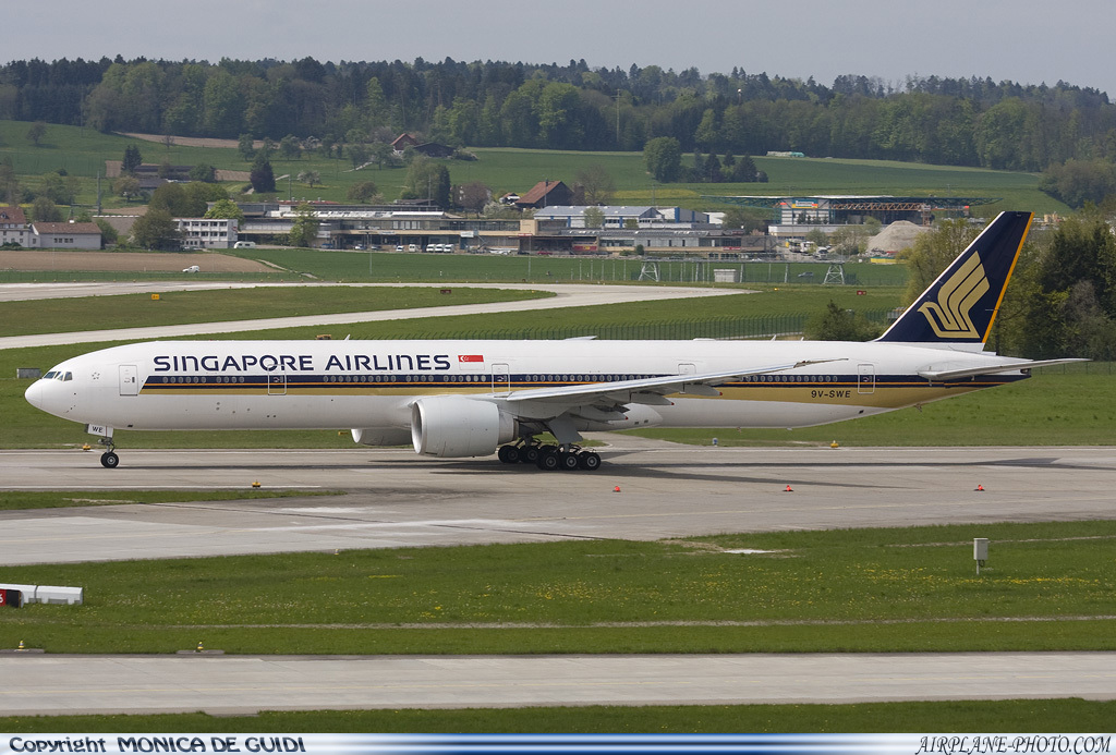 Photo Singapore Airlines Boeing 777-312/ER